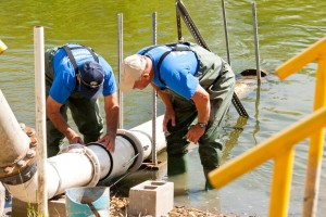 River-Pump-Line-Volunteers